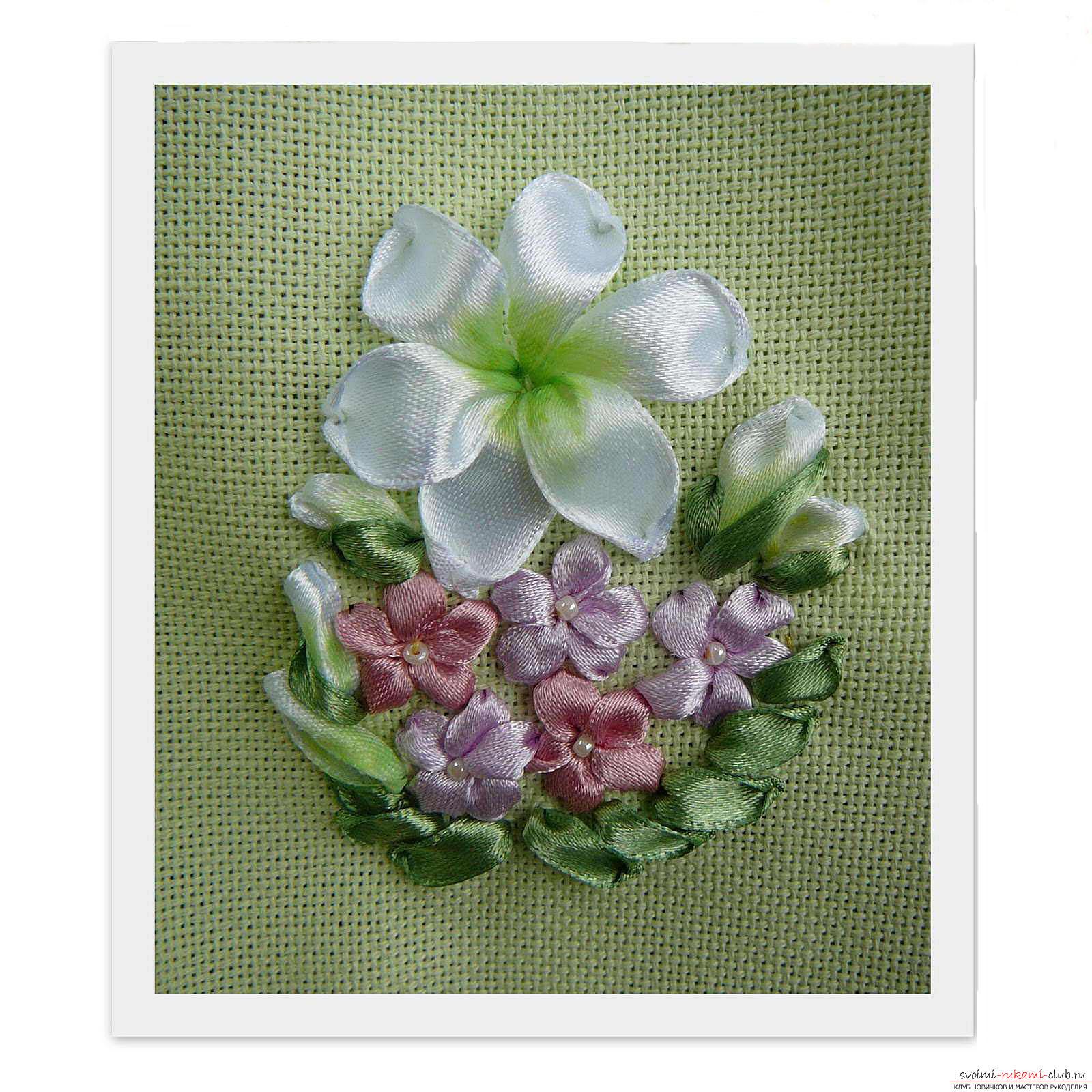 Вышивка лентами белых лилий. Фото №7