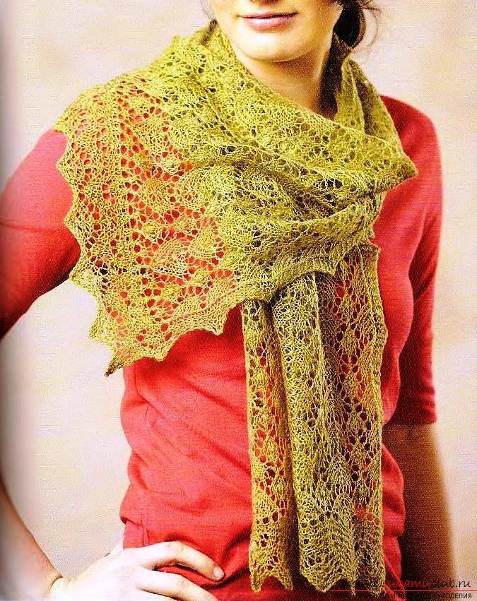 Вязание яркого ажурного шарфа