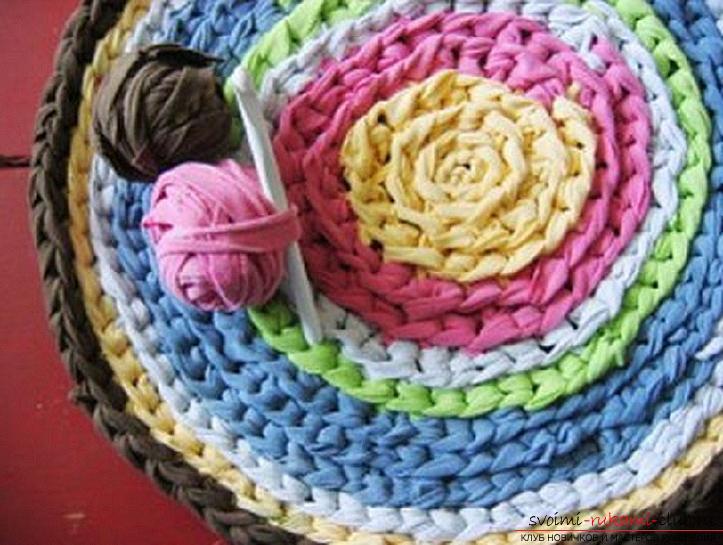 Схемы, фото и подробное описание, как связать коврики своими руками крючком.. Фото №7