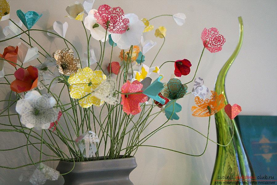 Создание искусственных цветов своими руками - это увлекательно и несложно, в чём вы можете сами убедиться, познакомившись с описанными в этой статье вариантами изготовления цветочных композиций