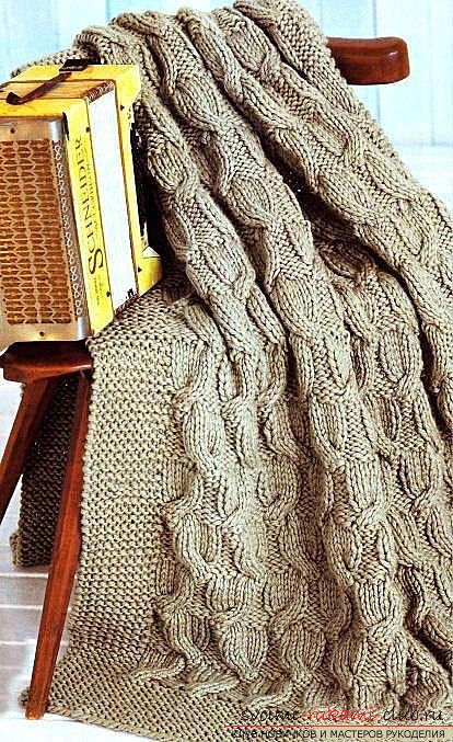Интересная схема вязания пледа спицами. Фото №1