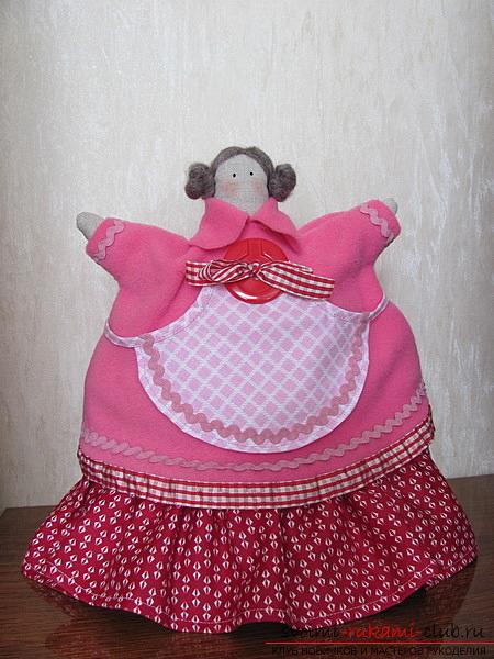 Как по выкройке сшить симпатичную куклу тильду грелку на чайник своими руками