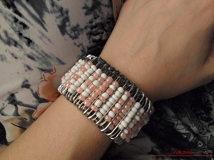 Как сделать браслет из обычных булавок своими руками