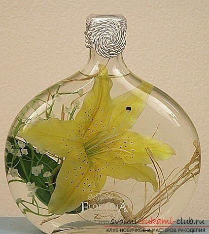 Мастер-класс о том, как можно создать очень необычный сувенир в виде законсервированных в глицерине цветов. Фото №1