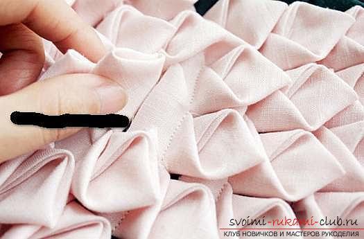 Шитье из треугольников коврика для мебели. Фото №2