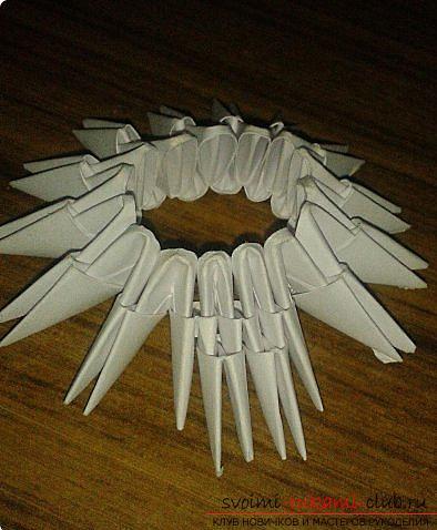 Как сделать маленького лебедя из модулей. Фото №9