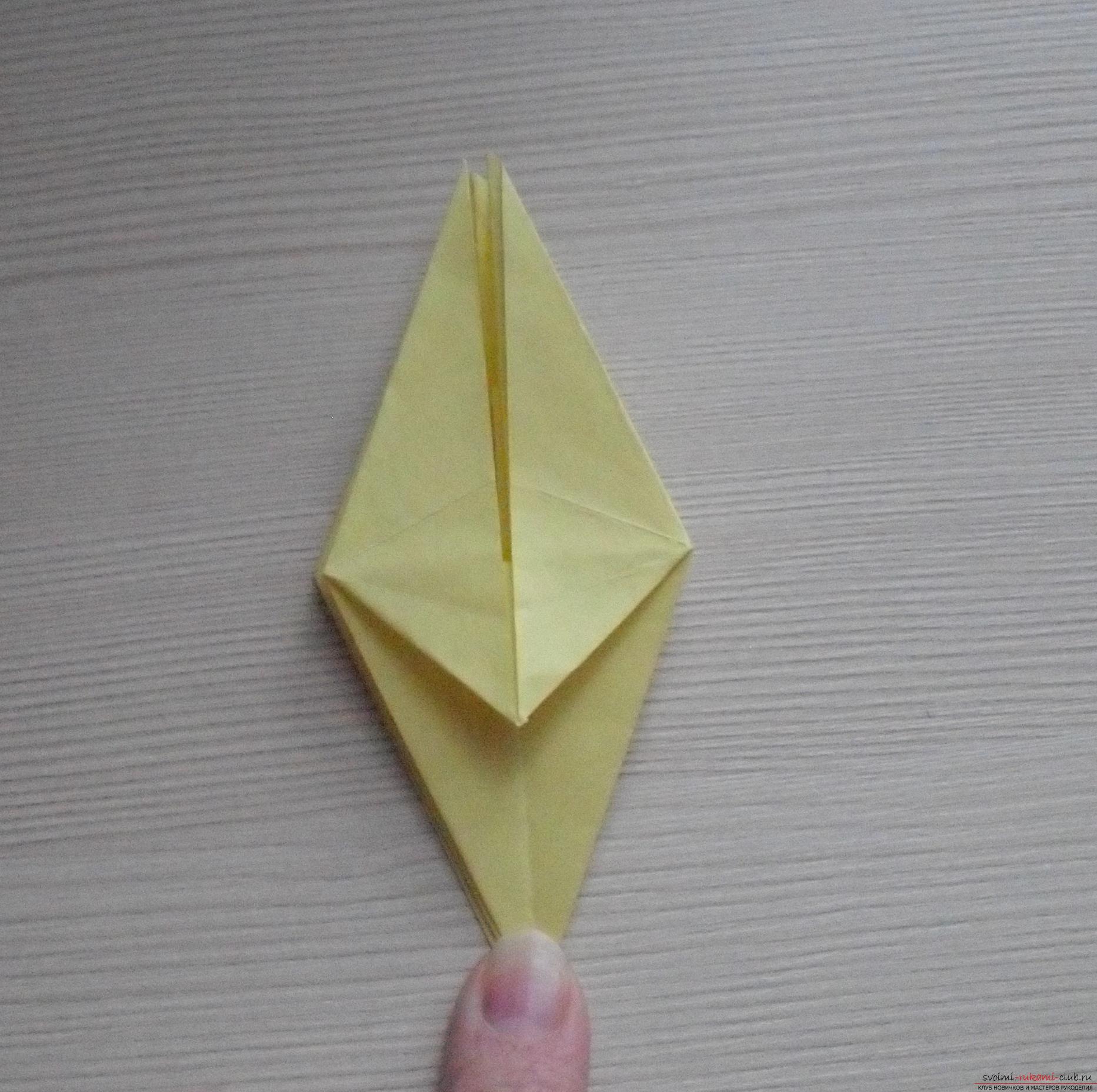 Этот пошаговый мастер-класс с инструкцией модульного оригами научит как сделать корзинку с лилиями.. Фото №32