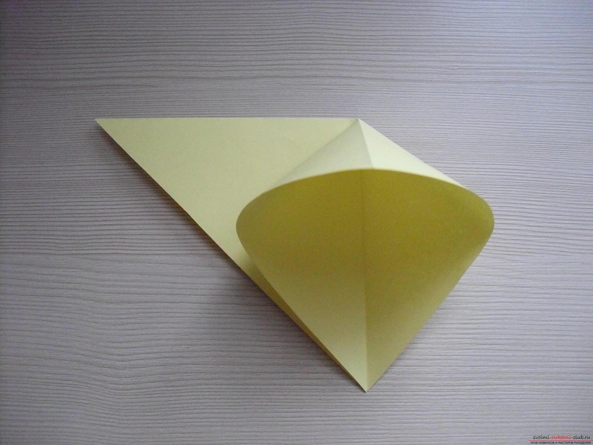 Этот пошаговый мастер-класс с инструкцией модульного оригами научит как сделать корзинку с лилиями.. Фото №24