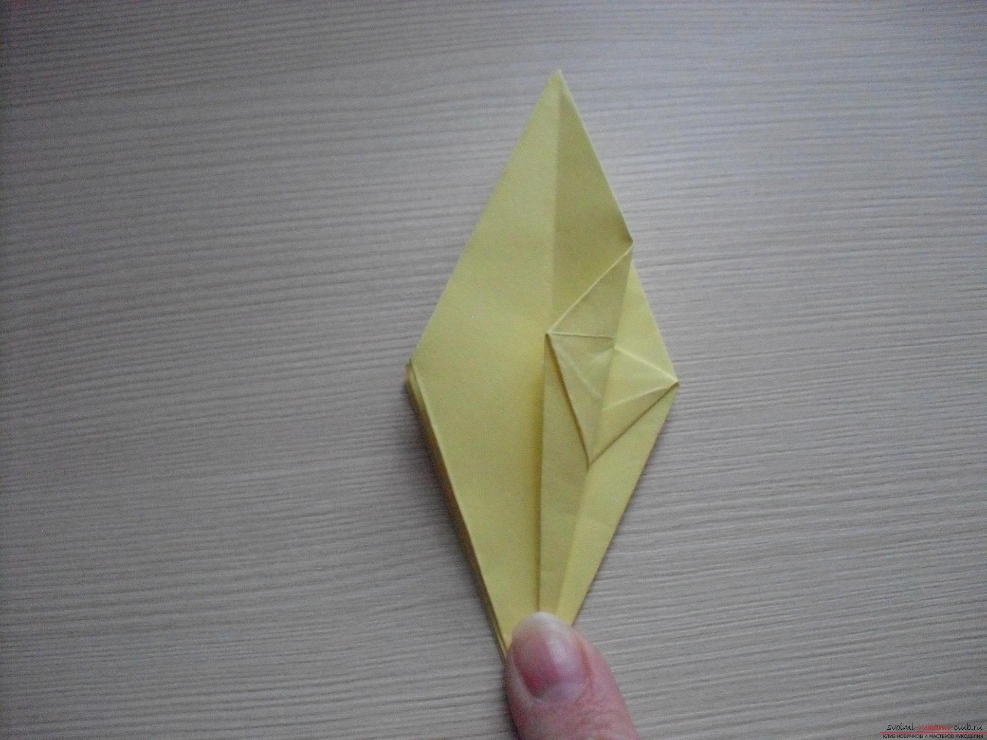 Этот пошаговый мастер-класс с инструкцией модульного оригами научит как сделать корзинку с лилиями.. Фото №34