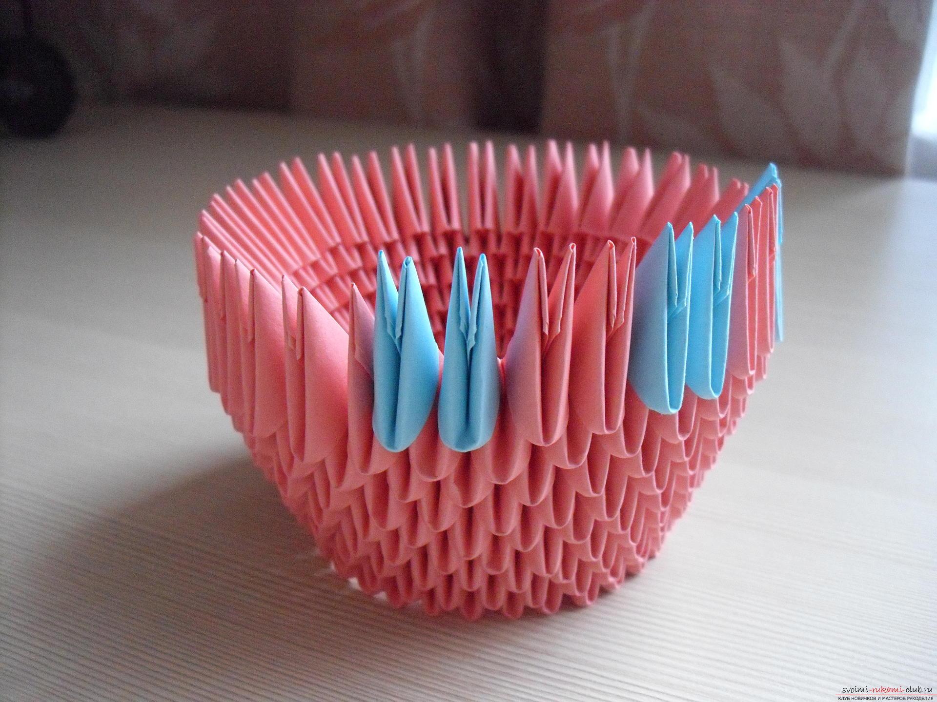 Этот пошаговый мастер-класс с инструкцией модульного оригами научит как сделать корзинку с лилиями.. Фото №6