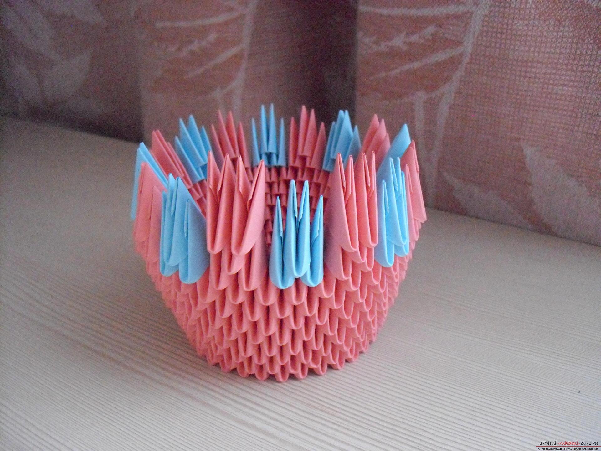 Этот пошаговый мастер-класс с инструкцией модульного оригами научит как сделать корзинку с лилиями.. Фото №8