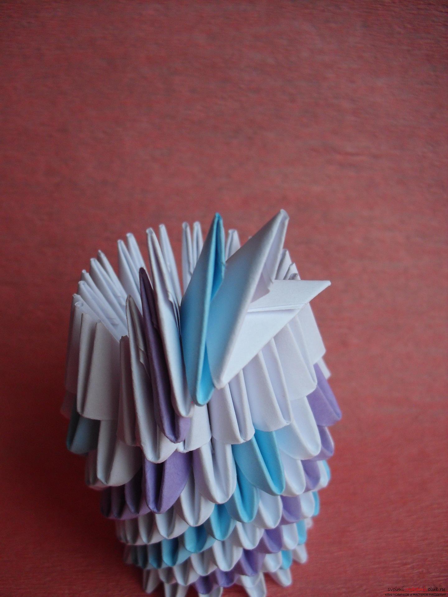 Этот мастер-класс научит как сделать вазу с тюльпанами из бумаги в технике модульного оригами.. Фото №8