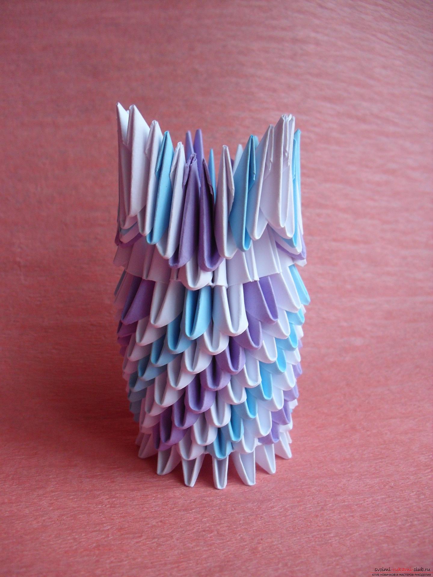 Этот мастер-класс научит как сделать вазу с тюльпанами из бумаги в технике модульного оригами.. Фото №11