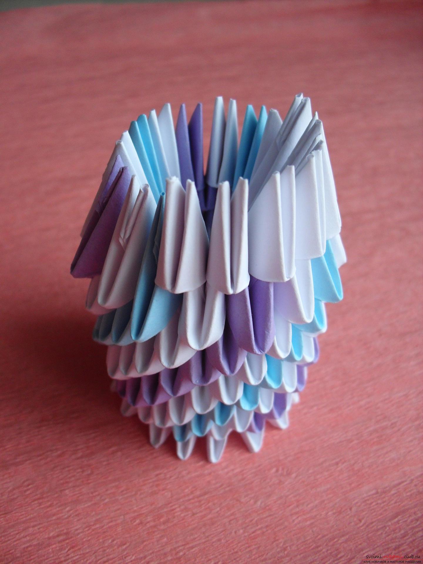 Этот мастер-класс научит как сделать вазу с тюльпанами из бумаги в технике модульного оригами.. Фото №7