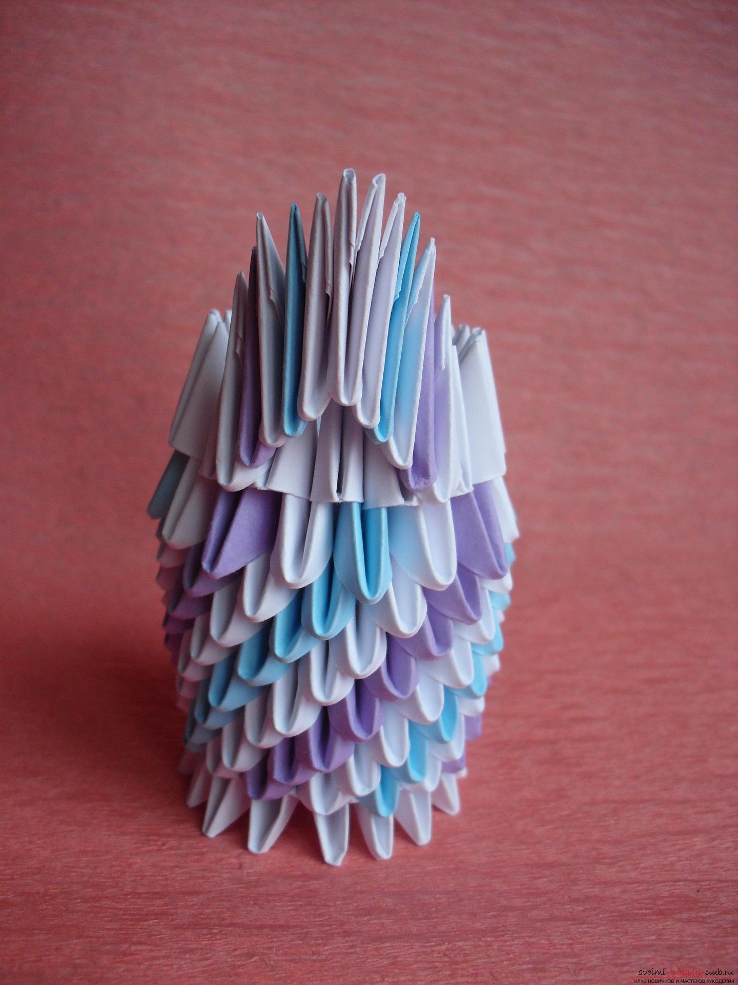 Этот мастер-класс научит как сделать вазу с тюльпанами из бумаги в технике модульного оригами.. Фото №9