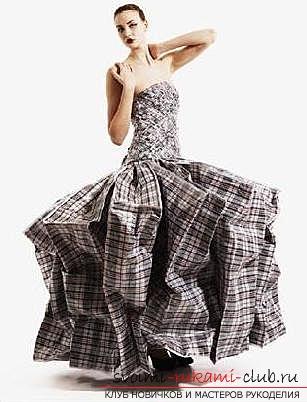 Платье из мусорных пакетов. Фото №2