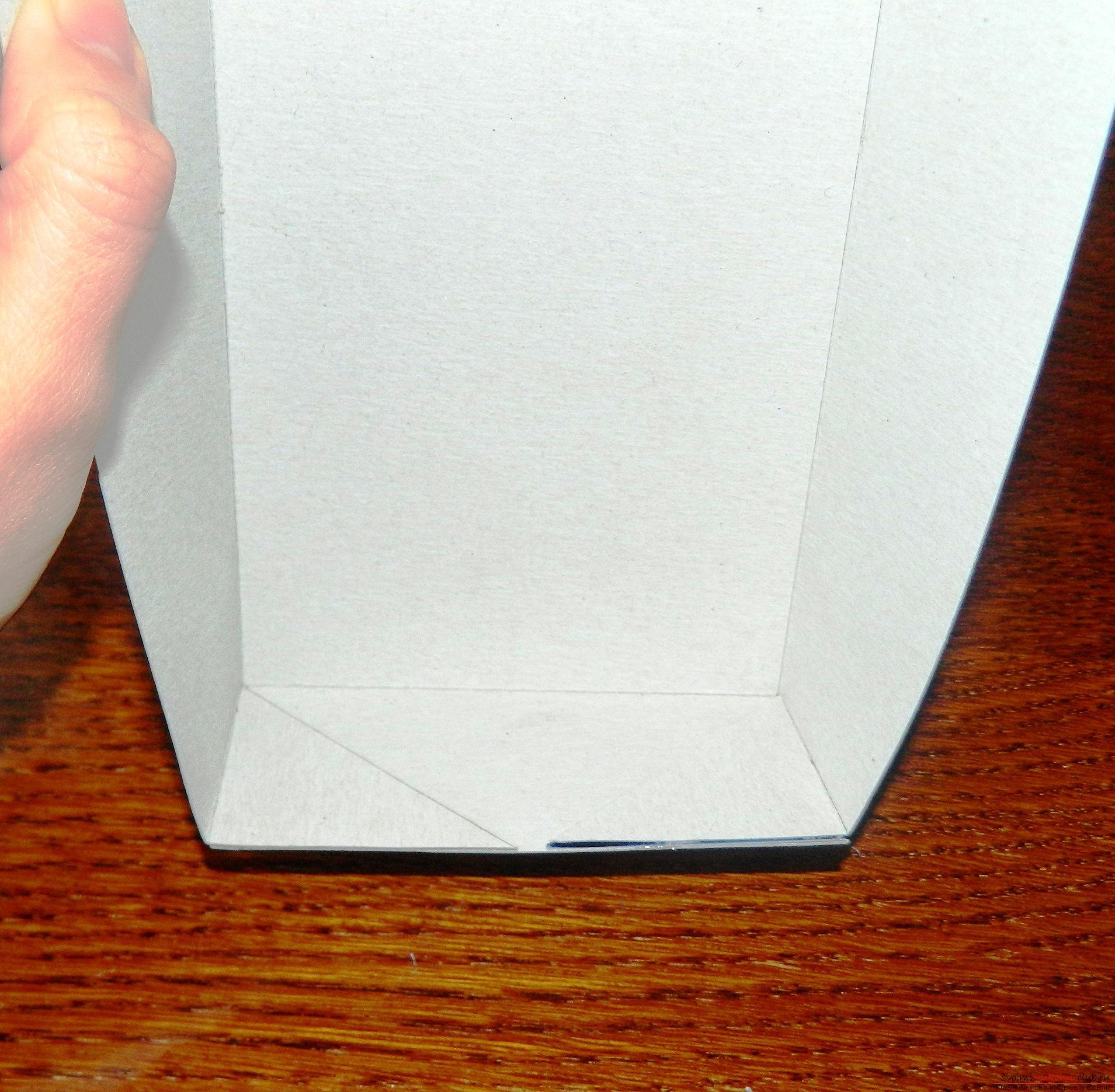 Этот мастер-класс расскажет как сделать подарочную коробку в технике квиллинг своими руками.. Фото №5