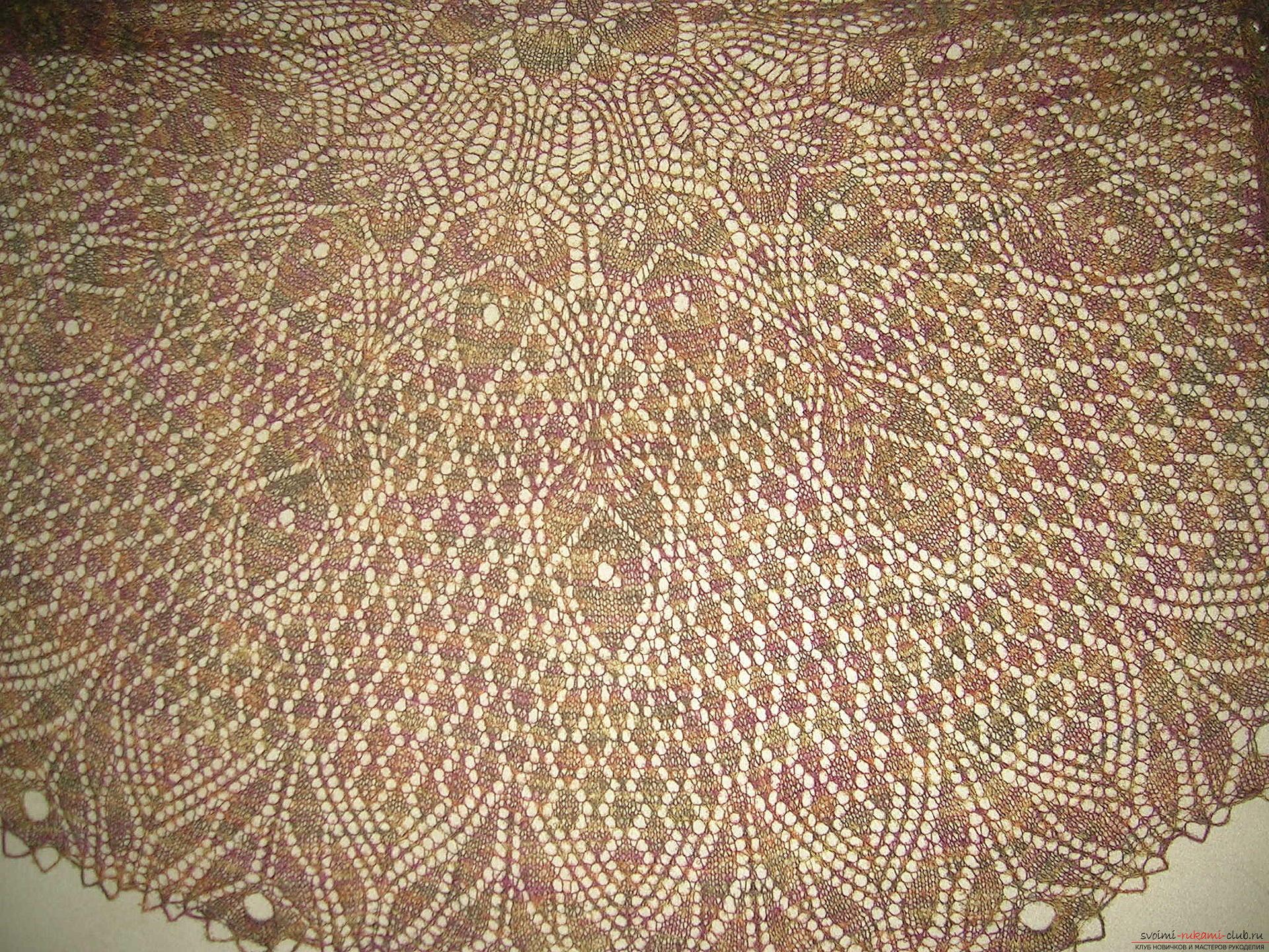 Невесомая шаль из итальянской шерсти большого размера, связанная спицами. Фото №4