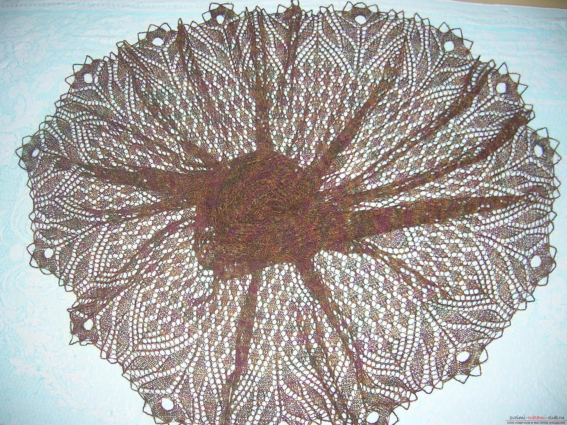 Невесомая шаль из итальянской шерсти большого размера, связанная спицами. Фото №2