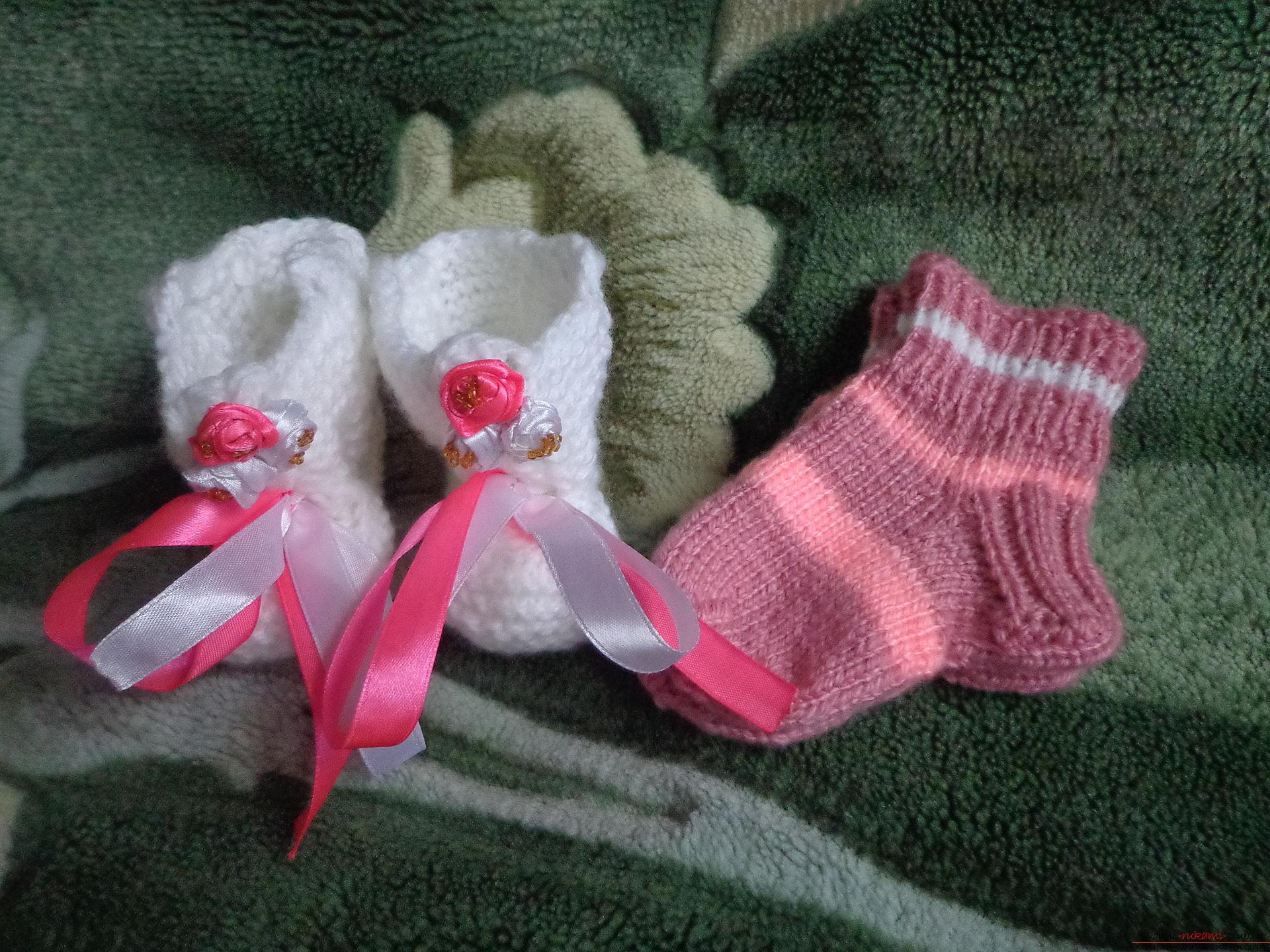 Вязание пинетки для новорожденного со схемой