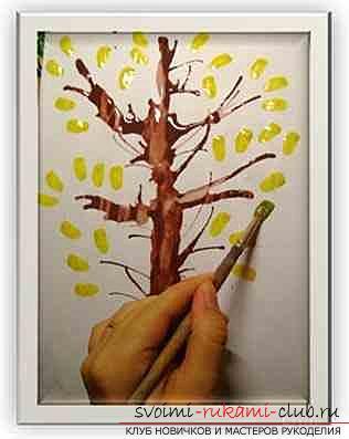Конспект по рисованию (нетрадиционные способы) в средней группе детского сада на тему Изображение осеннего дерева. Фото №3