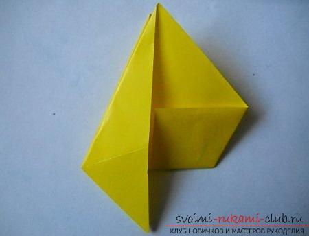 Объемная фигура собаки в технике оригами. Фото №2