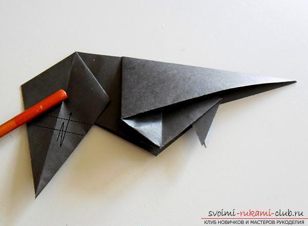Как сделать ворону в технике оригами. Фото №15