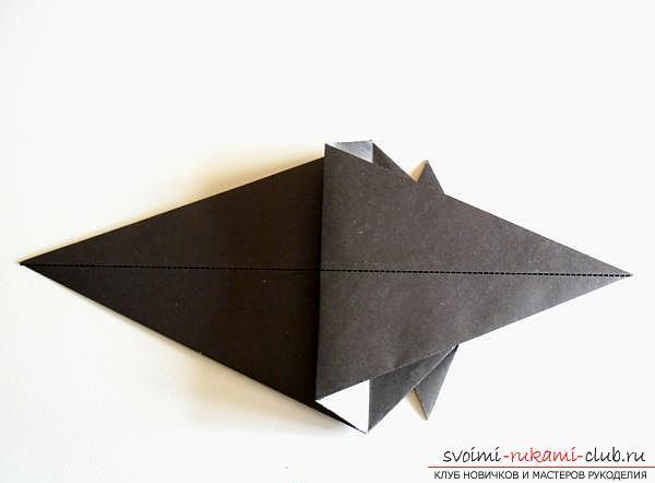 Как сделать ворону в технике оригами. Фото №12