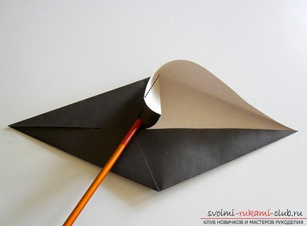 Как сделать ворону в технике оригами. Фото №5