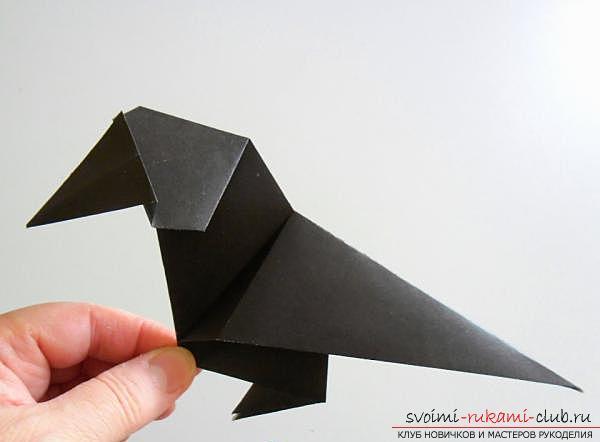 Как сделать ворону в технике оригами. Фото №17