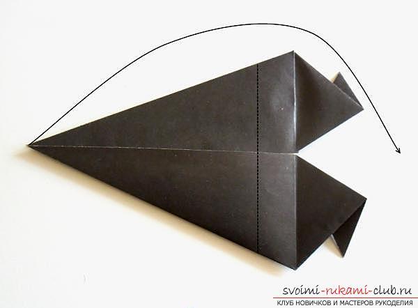 Как сделать ворону в технике оригами. Фото №11