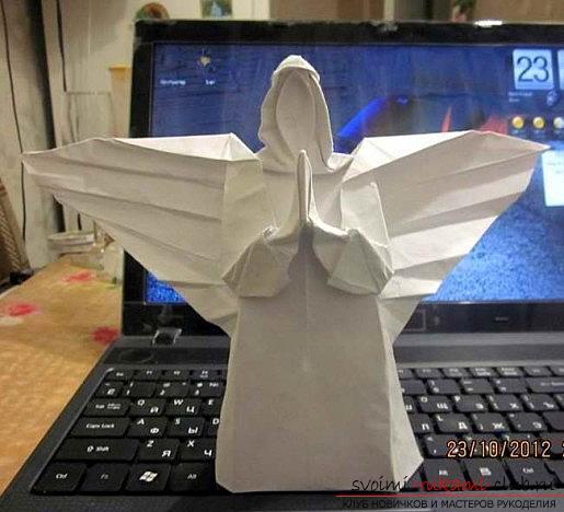 Сделать красивого ангела с крыльями, оригами не сложно, если следовать схемам