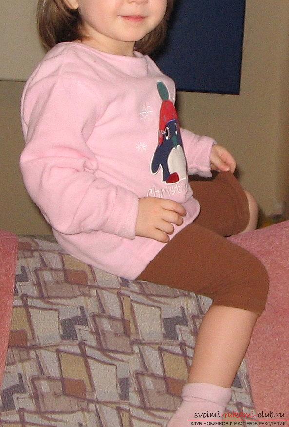 Как легко выкроить и пошить брюки для девочки на два года. Фото №3