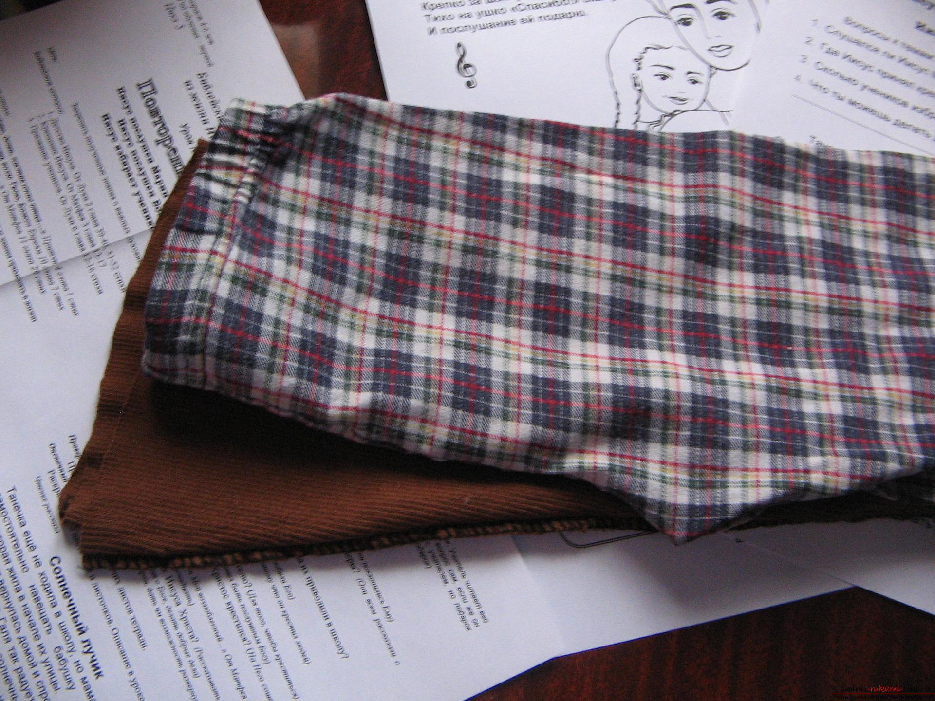 Как легко выкроить и пошить брюки для девочки на два года. Фото №6