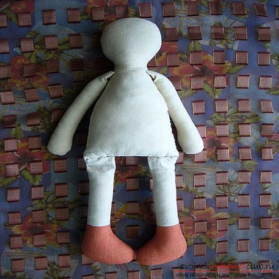 Как выкроить тряпичную куклу. Фото №5