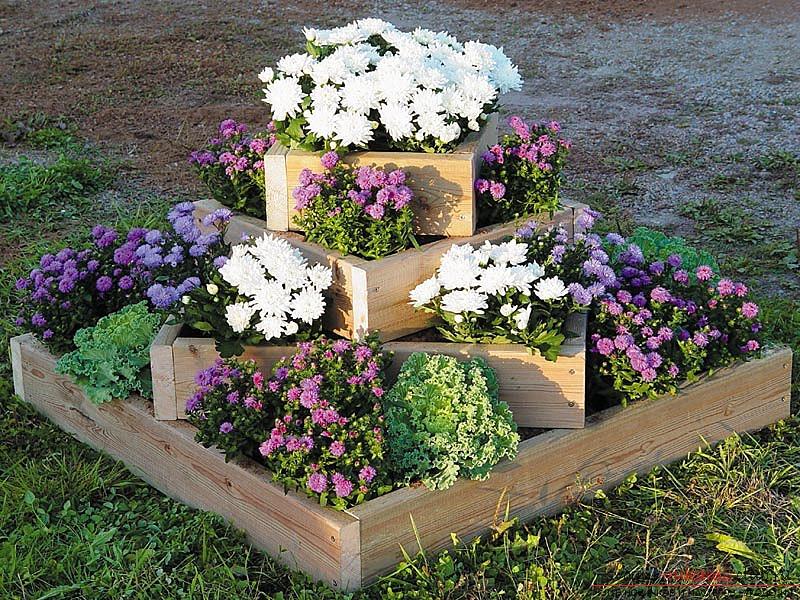 Подставки для цветов в саду своими руками фото