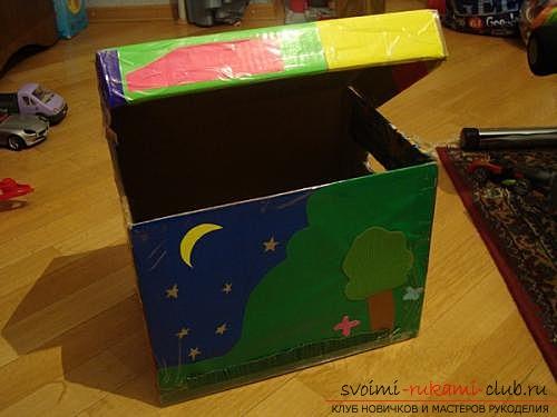 Коробка для игрушек, выполненная своими руками.</p> </div> <p> Сделанная бесплатно коробка для игрушек.. Фото №1″ width=»600″/> </p> <p>Зная вкусы своего малыша, стоит продумать подходящий <strong>дизайн для коробки</strong>, в которой надлежит храниться его сокровищам. Это может быть сказочный замок или милый автомобиль.</p> <p> Возможно, найденная вами коробка превратится в пиратский сундук.</p> <p> Если коробок несколько, можно смастерить веселый поезд с паровозом и вагончиками.</p> <p><div style=