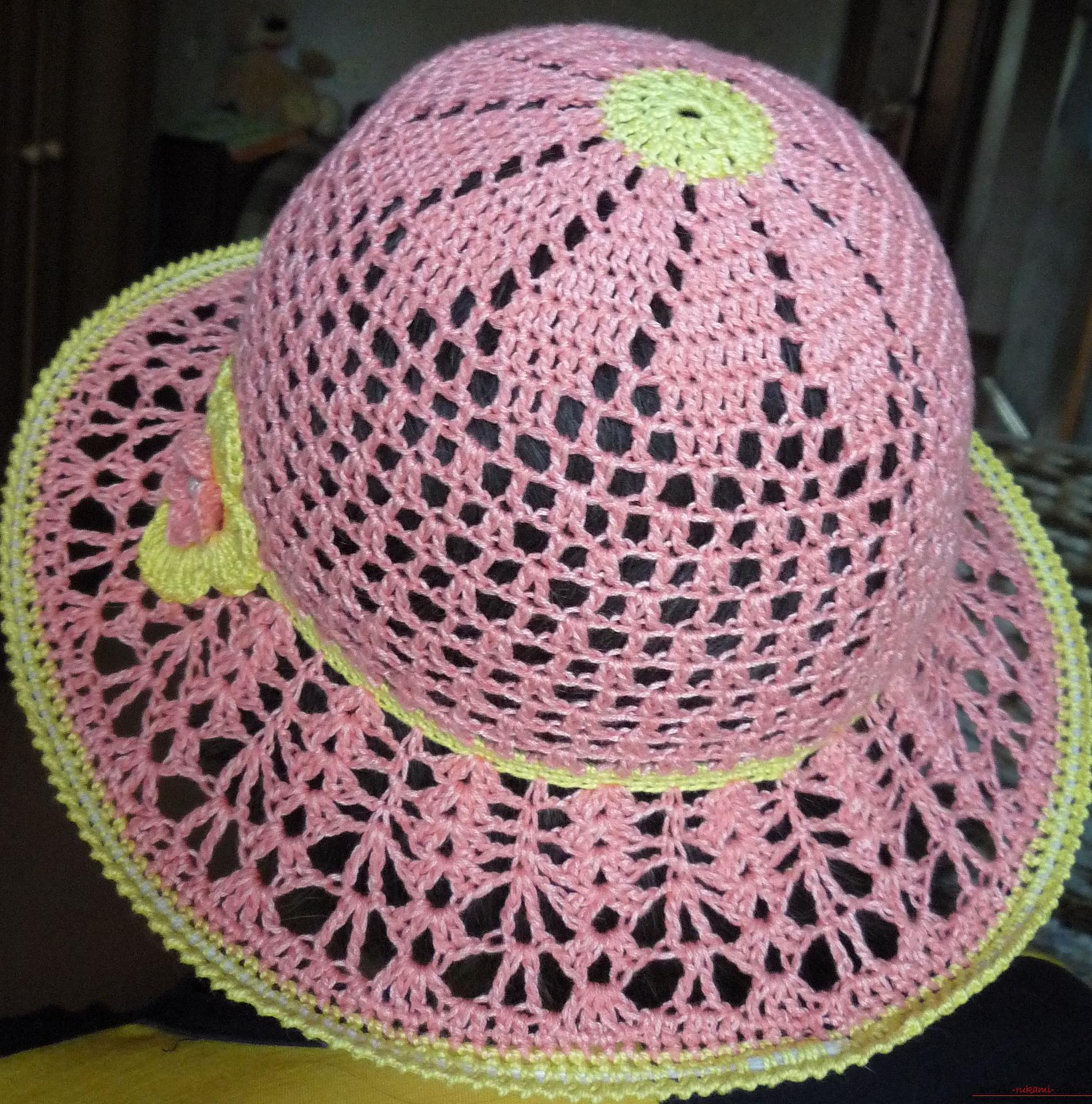 Вязание крючком шляпки женские видео