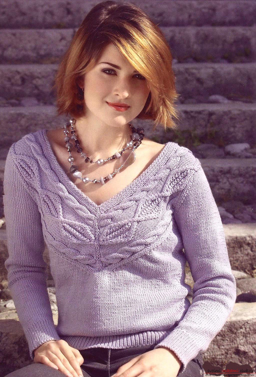 Вяжем свитер простым узором по схеме. Фото №4