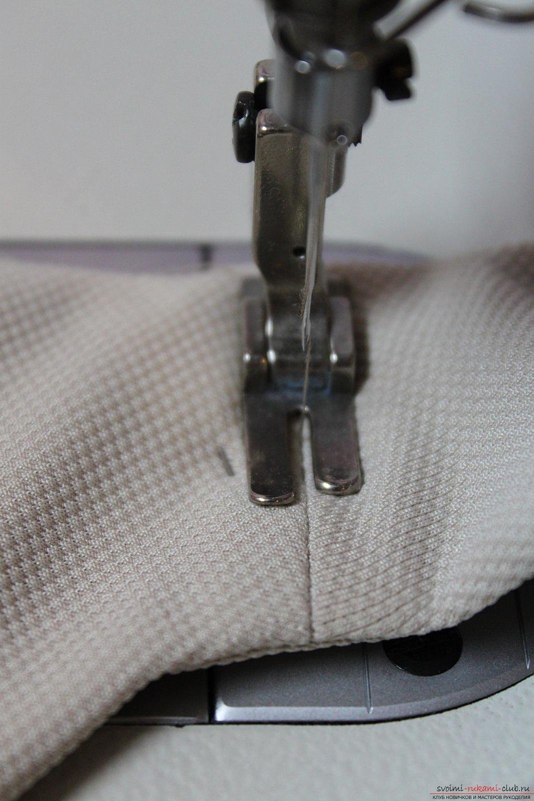 Этот подробный мастер-класс с фото и выкройкой научит шитью своими руками блузки с баской.. Фото №32