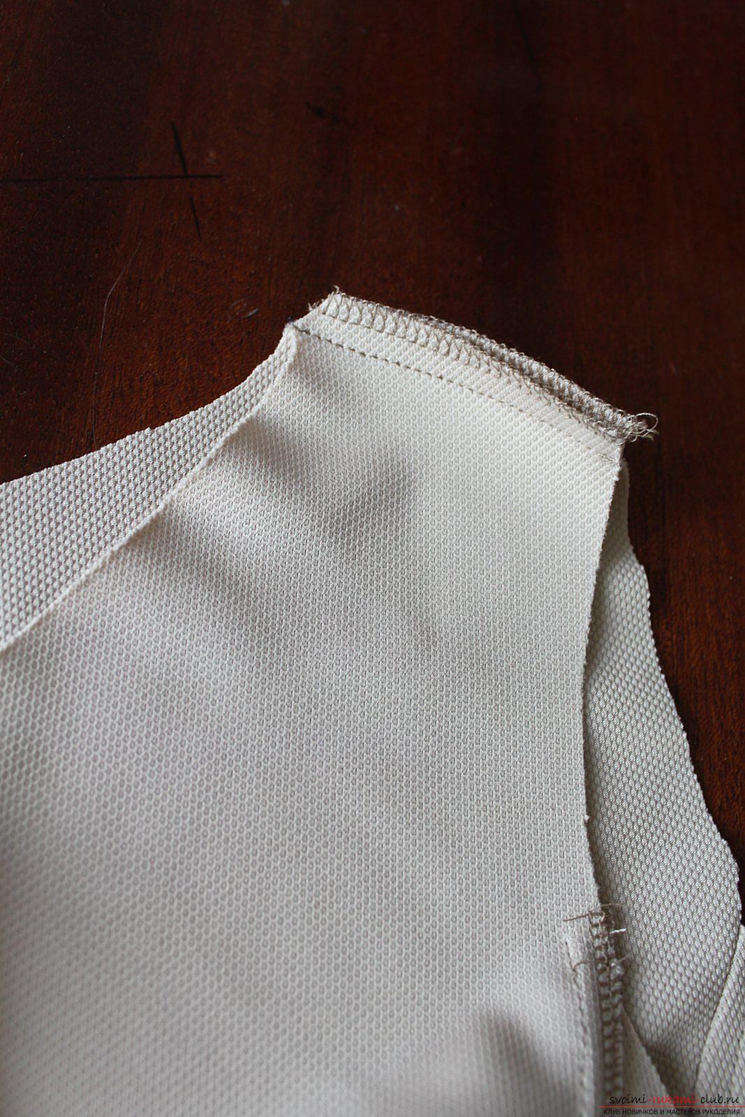 Этот подробный мастер-класс с фото и выкройкой научит шитью своими руками блузки с баской.. Фото №14
