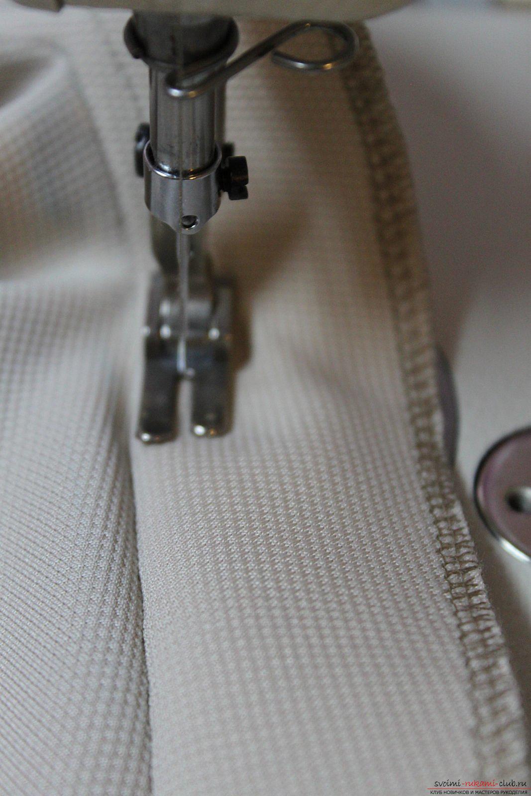 Этот подробный мастер-класс с фото и выкройкой научит шитью своими руками блузки с баской.. Фото №30