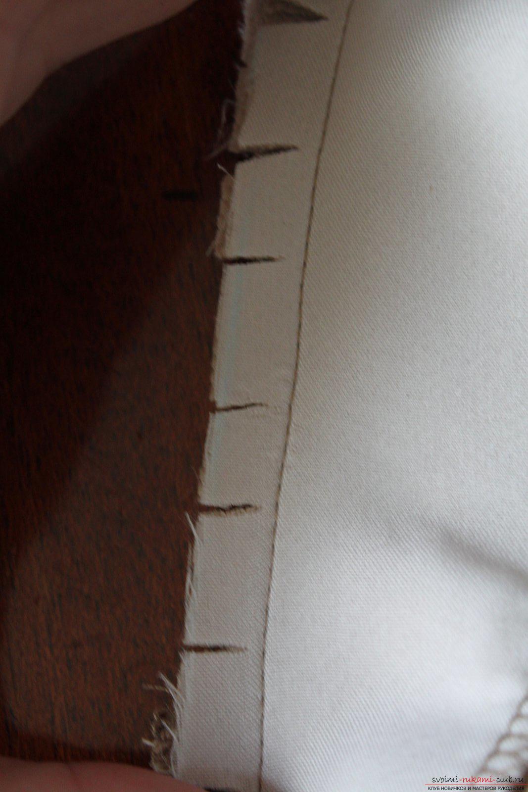 Этот подробный мастер-класс с фото и выкройкой научит шитью своими руками блузки с баской.. Фото №17