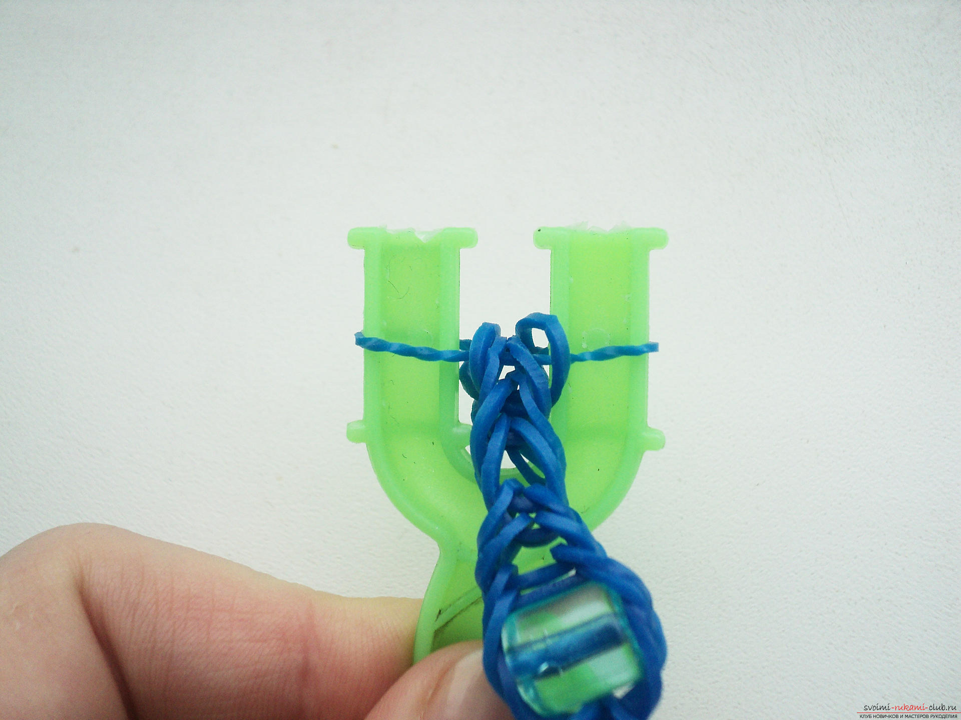 Плетение из резинок с пошаговым фото на рогатке
