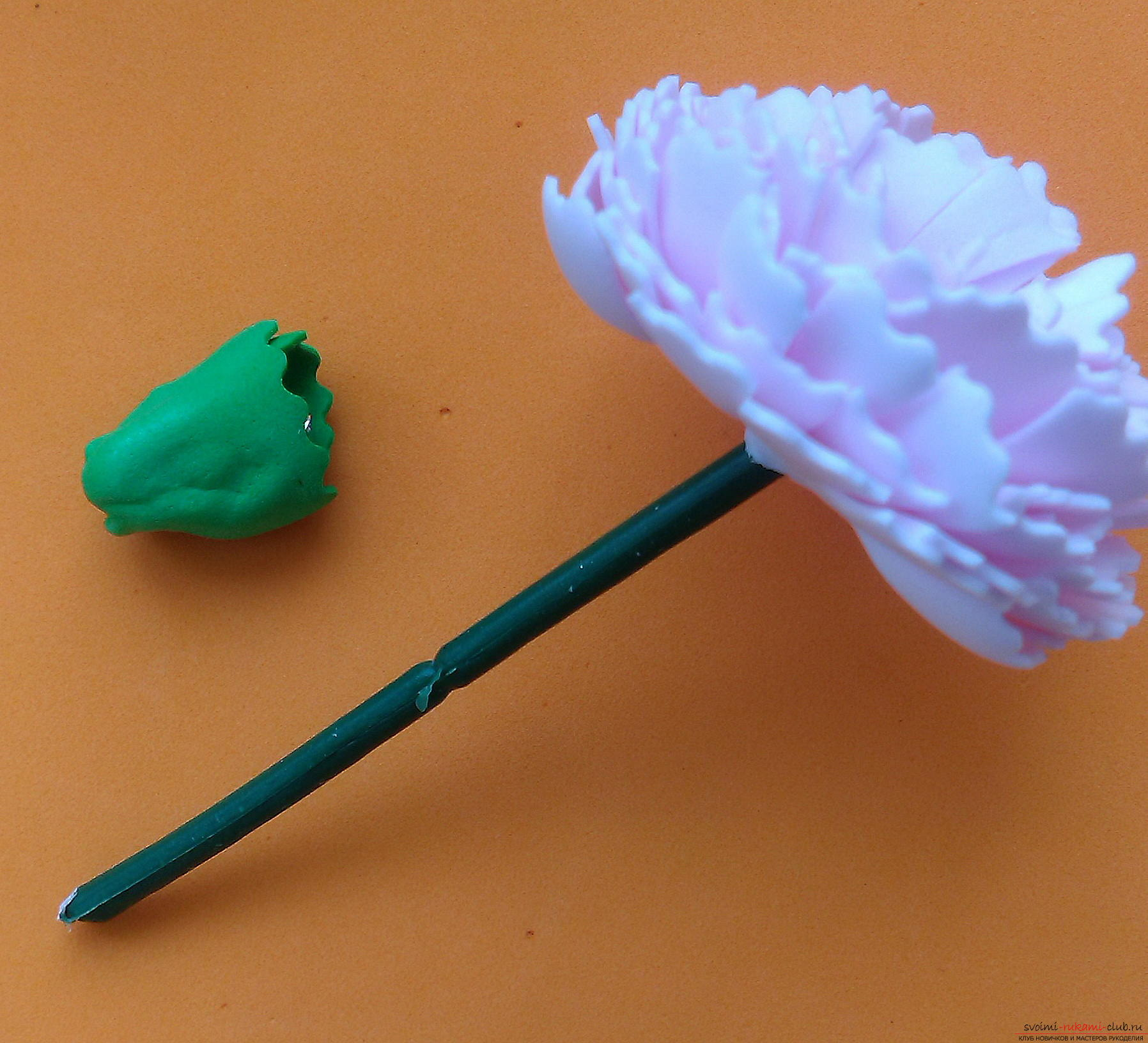 Этот мастер-класс расскажет как сделать брошь из георгиевской ленты с гвоздикой из фоамирана.. Фото №38