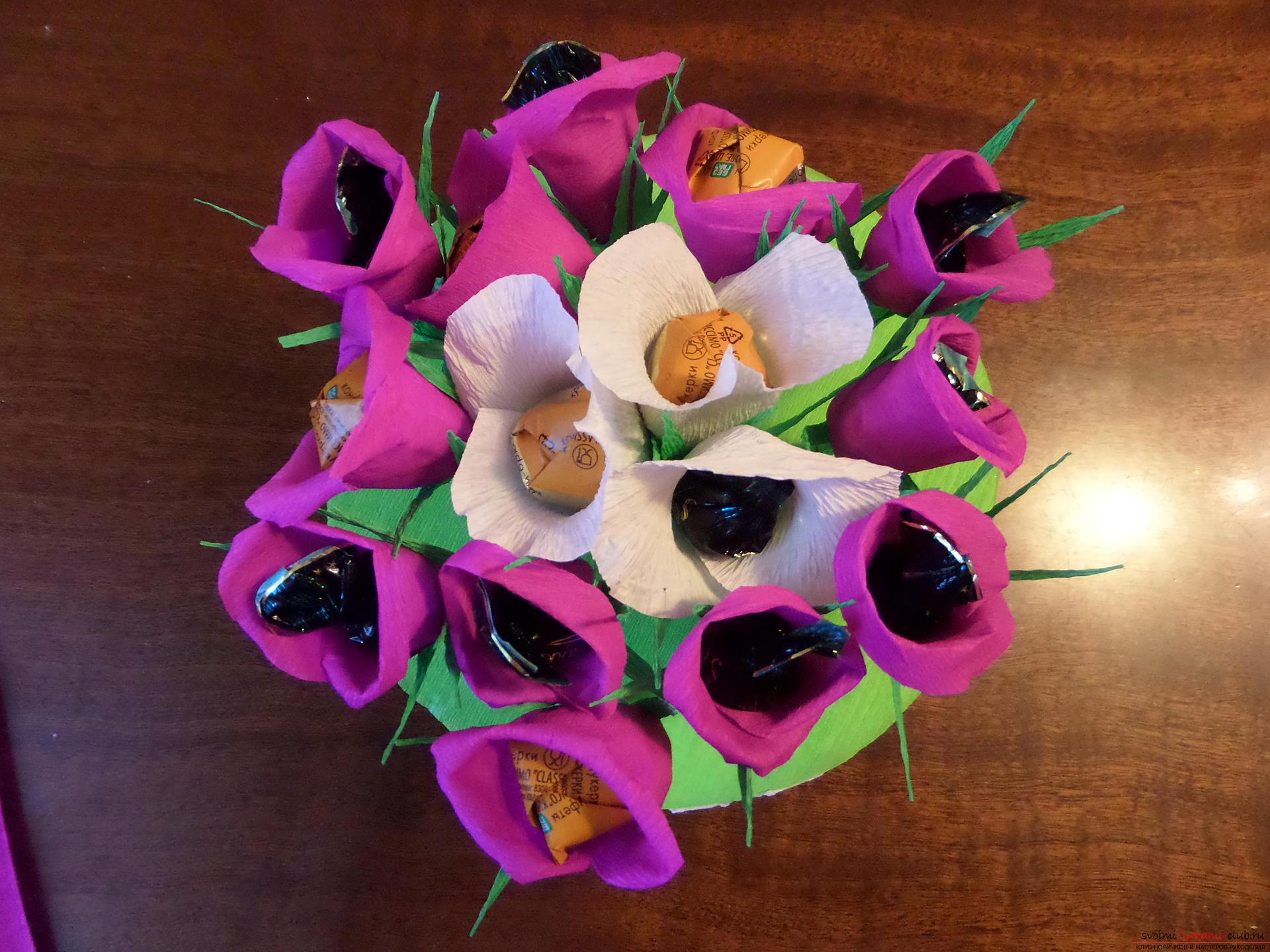 Букеты из конфет своими руками с пошаговыми фото 57