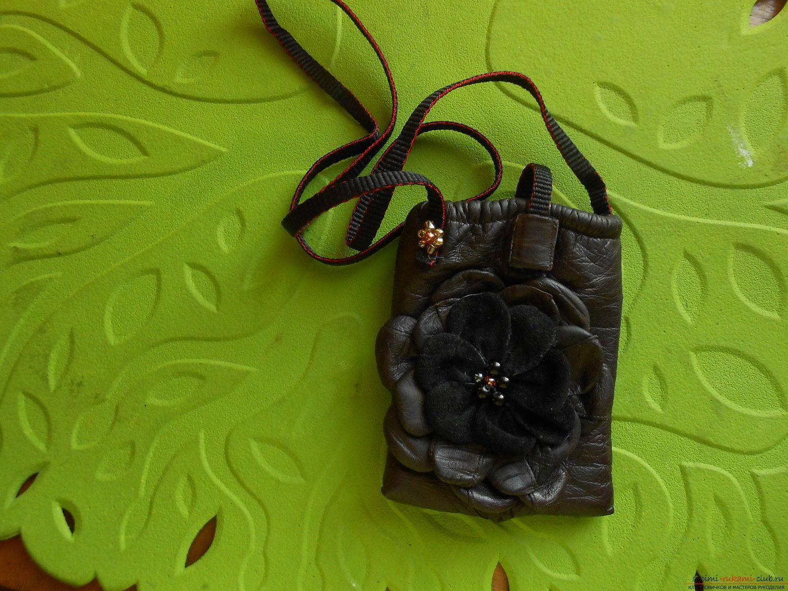 Кожаные чехлы самые модные для телефонов, но мало кто знает как сделать чехлы из кожи своими руками.. Фото №28