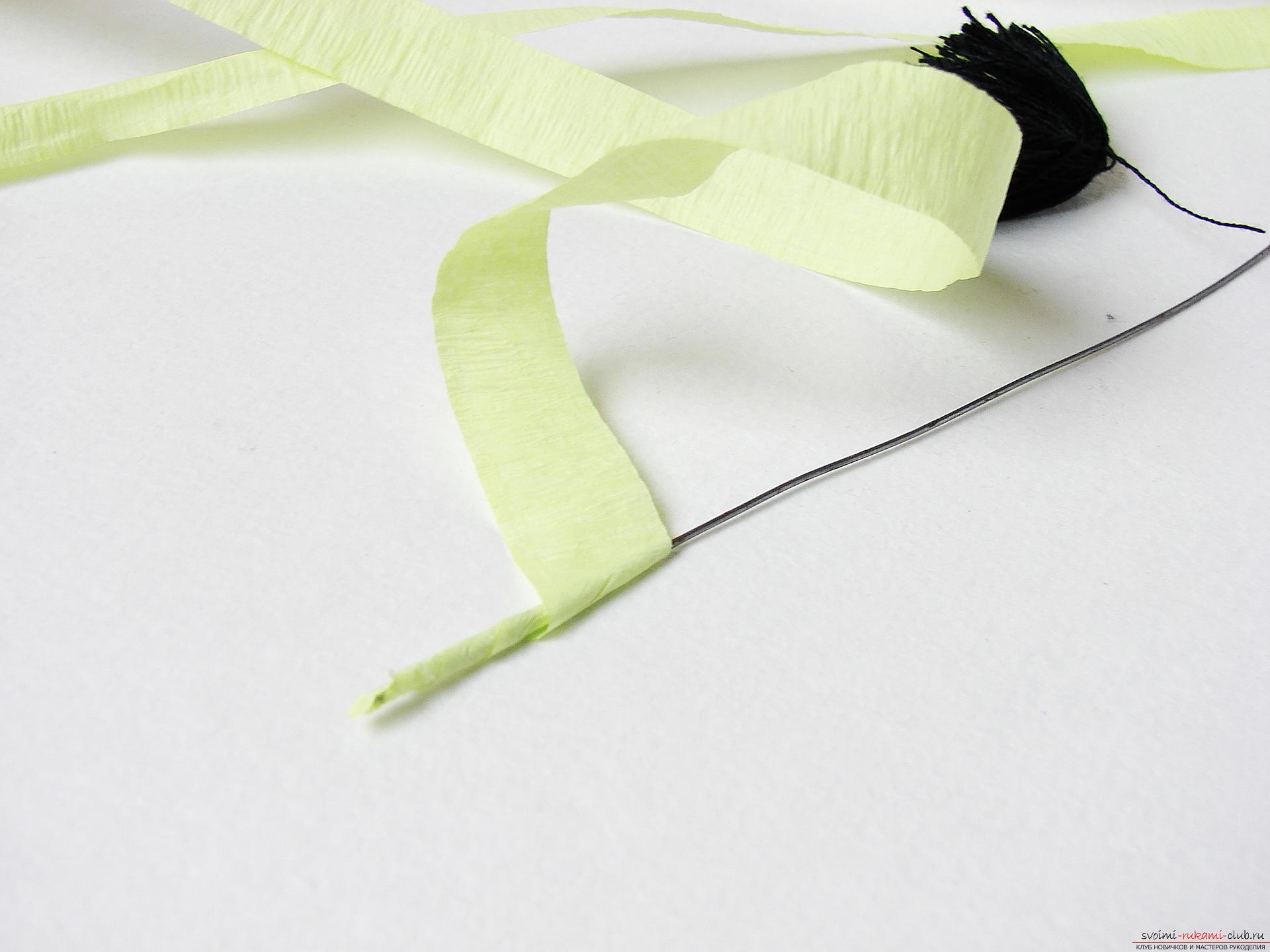 Смастерим васильки своими руками. Наш мастер-класс с фото подробно описывает как создать эти цветы из гофрированной бумаги.. Фото №6