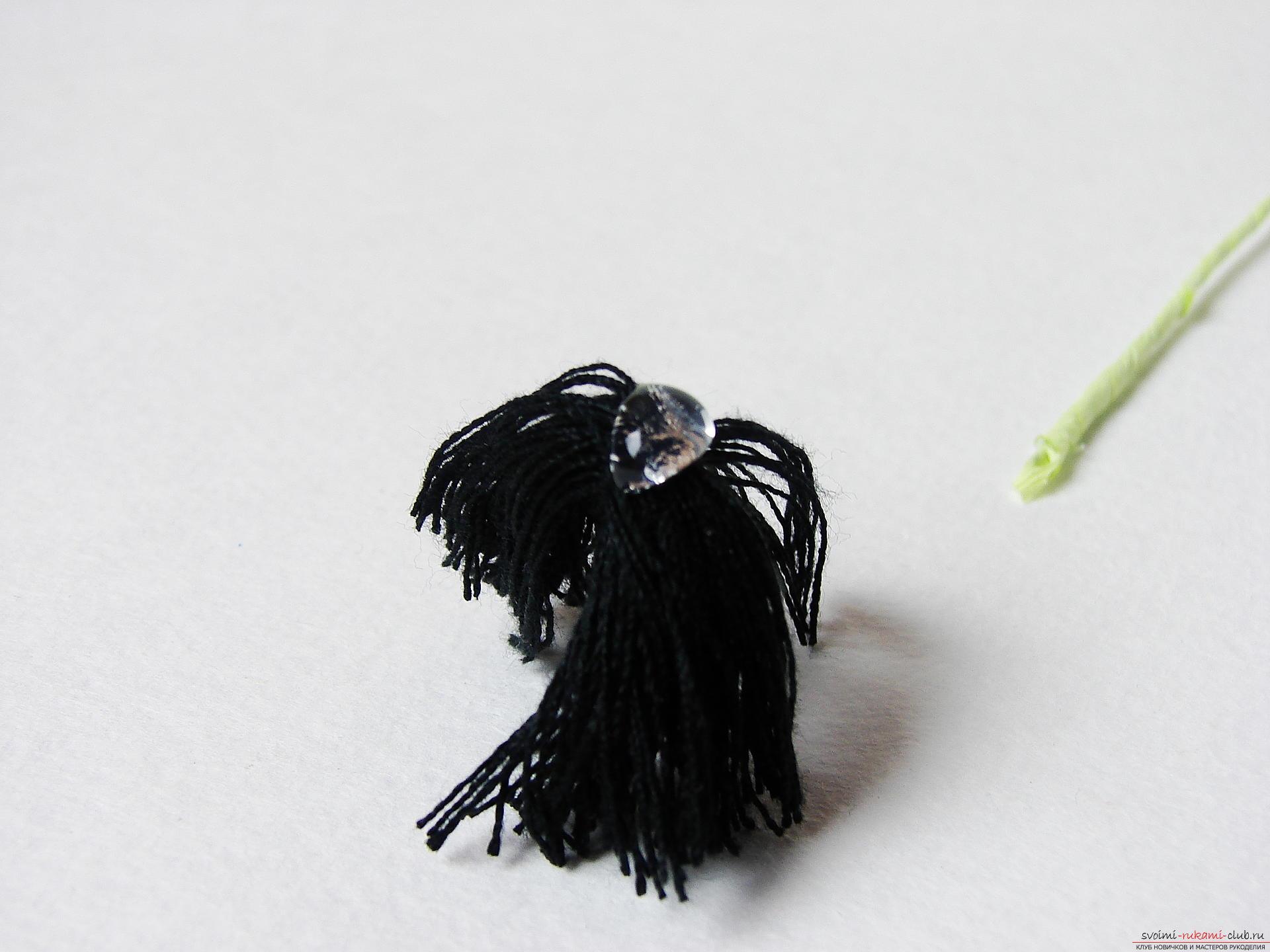 Смастерим васильки своими руками. Наш мастер-класс с фото подробно описывает как создать эти цветы из гофрированной бумаги.. Фото №8