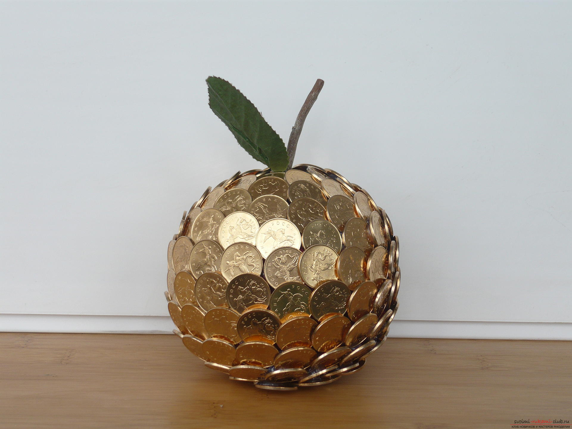 Денежный шар из монет своими руками фото